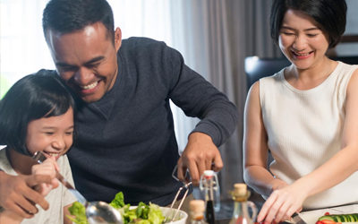 Raise your oven mitt and be a part of the Family Meals Month movement with Common Threads
